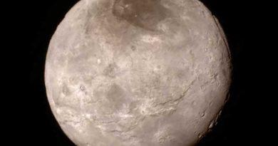 Почему-Плутон-больше-не-планета